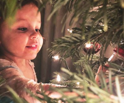 How to have the eyes of a child at Christmas (even though you're a mom or dad)